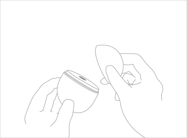本体上部のキャップを開く図
